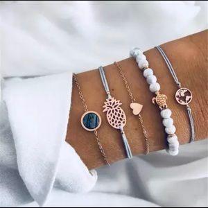 NIP 5 pack pineapple and heart bracelet set